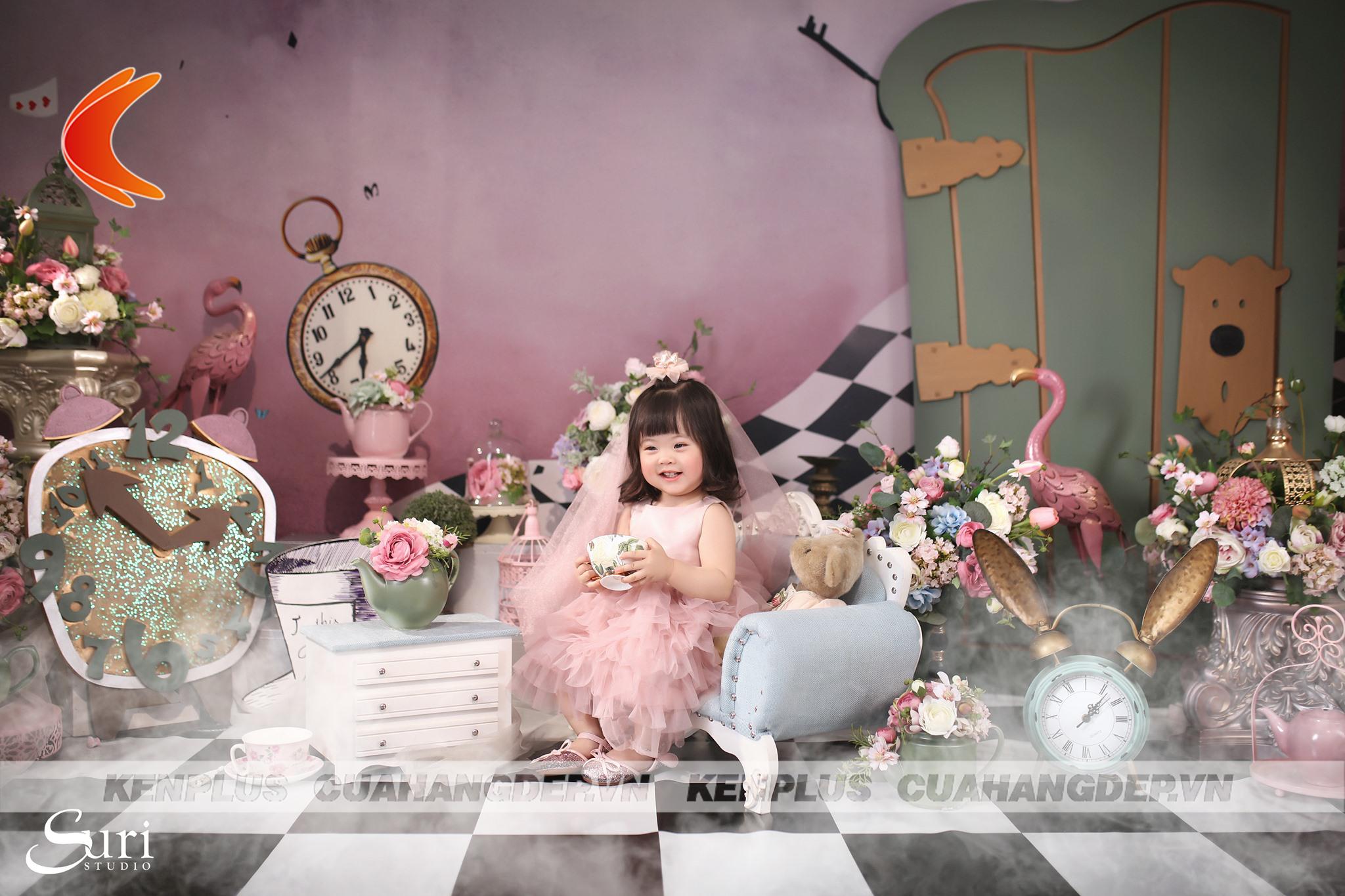 Nhờ thiết kế studio chụp ảnh gia đình và bé chất lượng, khách hàng đến Suri Studio đã có những bức hình vô cùng ưng ý